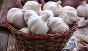 Чесънът също е полезен за пречистване на организма, благодарение на своите антиоксидантни свойства.