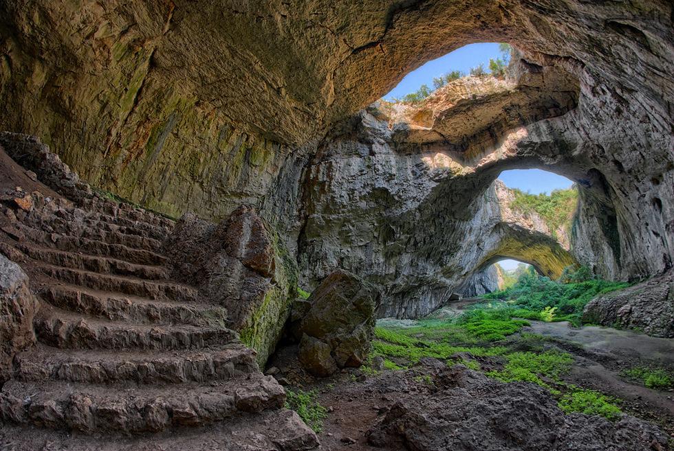 Резултат с изображение за деветашка пещера снимки