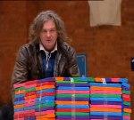 Джеймс Мей с купчини пластелин, които ще се превърнат в ...