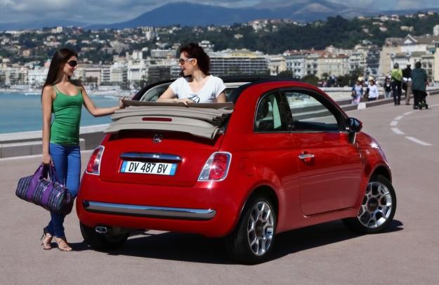 Младите жени в малки коли са най-опасни на пътя!