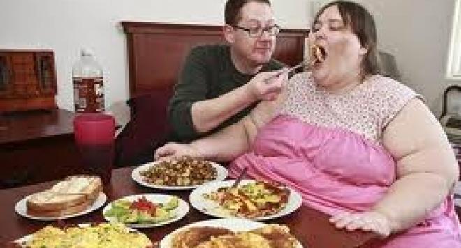 Ето какъв е мъжът на най-дебелата жена! /ВИДЕО/