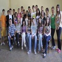 Героите от смешното видео, заедно с учителите Дарина Коларова и Стефан Аврамов