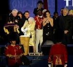 Кралица Елизабет Втора запали огъня в чест на нейния диамантен юбилей