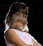 Как изглежда момичето-вълк от Книгата на Гинес