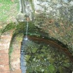 В светилището на нимфите и Афродита тече лечебна вода