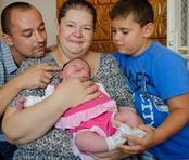 Невероятно! Майка роди гигантско бебе! (ФОТО + ВИДЕО)