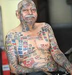 Човекът-знаме има най-странните татуировки (УНИКАЛНО ВИДЕО и СНИМКИ)