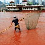 Червена река в Китай вещае Апокалипсис! (СНИМКИ)
