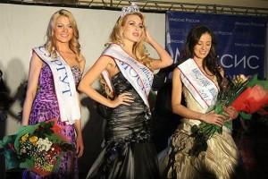 Misis-Rusia-Antonia-Petrova-image