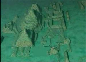 Така са пуснали котва пирамиди и сгради на дъното на океана