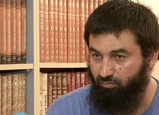 Ахмед: Поклон пред тези, които режат глави и слагат бомби за вярата! (ШОКИРАЩО ВИДЕО)