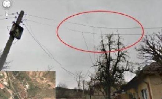 Google Street вижда всичко! Заснеха BG роми как крадат ток  (ФОТО)