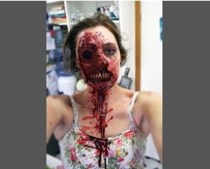 Киана Джоунс - потресаващо зомби