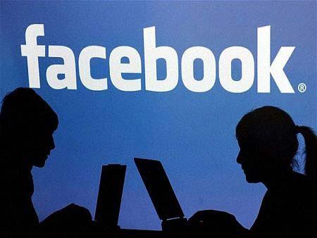 Опасен вирус заразява милиони във Facebook