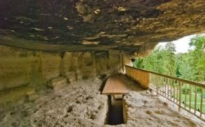 Уникалният скален манастир Аладжа пази своите тайни