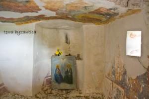 В параклиса на манастира Аладжа