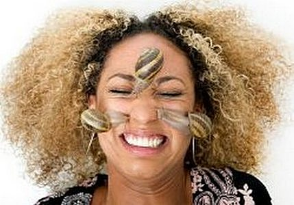 Пълзящи слузести гадини по лицето – най-новата разбиваща мания! (ВИДЕО)