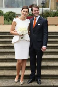 Преди църковната церемония беше сключен граждански брак