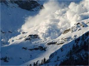 Съкровището, състоящо се от сапфири, рубини и изумруди, е открито случайно от млад френски алпинист