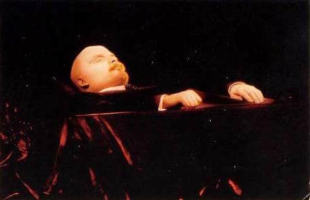 Каква тайна крие мумията на мъртвия Ленин? (ВИДЕО)