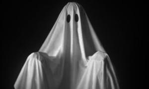 Студенти изселиха призрака от мазето