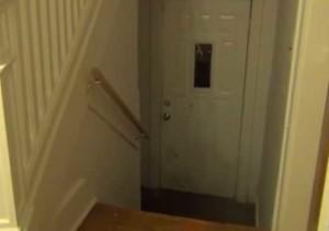 Зад тази врата се крие мистериозният призрак