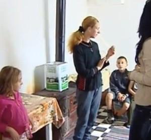 Анка и 5-те деца живеят в пълна мизерия