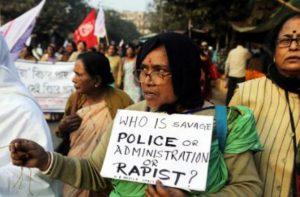 Индия – протест срещу насилията над жени и момичета