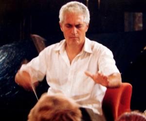 Маестро Дебилозов по време на репетиция
