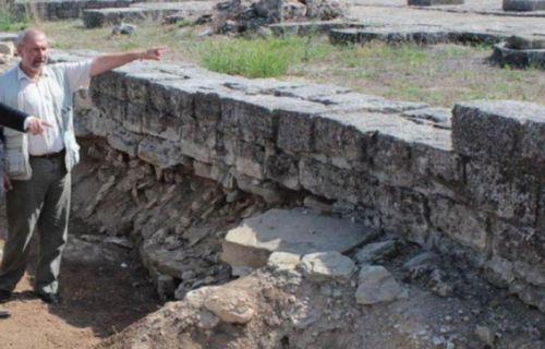 Проф. Овчаров твърди, че гробът на цар Петър е в Преслав