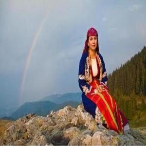 """Прекрасната Нели Андреева изпълнява саундтрака към """"Колибри"""" - песента """"Малка мома"""""""