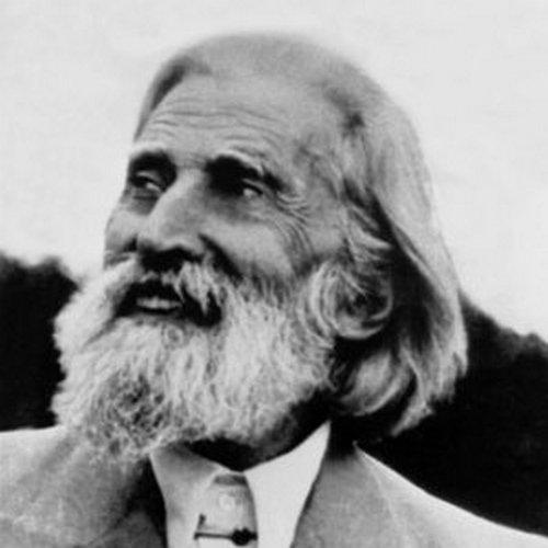 Учителят Петър Дънов ни учи как да живеем в хармония с Вселената