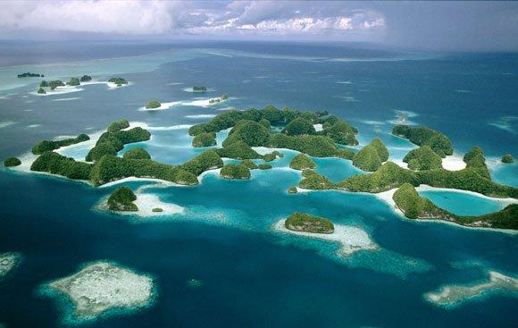 Пренесете се в една паралелна реалност с тази галерия от най-красивите острови