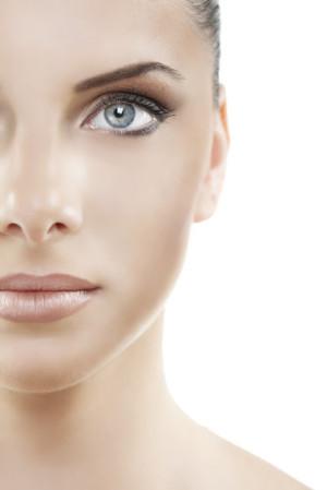 Дори и лекото трептене на окото се смята за предвестник на определени събития в живота