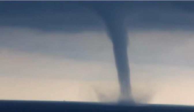 Торнадо край Созопол събуди страх: Това е ХААРП!