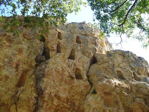 Глухите камъни – вижте историята зад името им