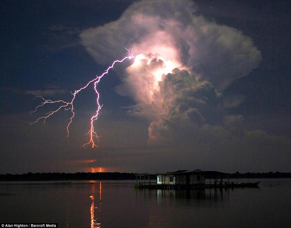 Има метеорологични феномени, които изглеждат като извадени от фантастичен филм