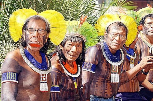 Тези удивителни племена са доказателство, че светът все още не завзет изцяло от модерните технологии