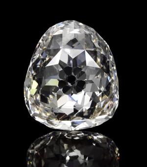 Историята е изпълнена с редица митове и легенди за прокълнати диаманти