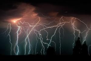 """Величествените мълнии Ктатутумбо, явление наричано още """"вечната гръмотевична буря"""""""