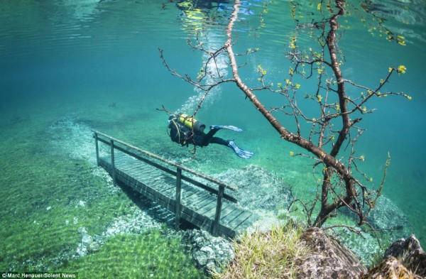 Подводен парк в Австрия се появява сякаш от нищото всяка година