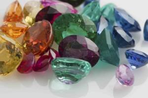 камъни и зодии