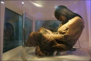 Намерената мумия на момиче пренесено в жертва