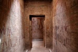 Храм Амада строен от фараон Тутмос III в Египет