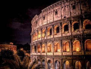 Колизеумът строен от древните римляни издържа изпитанието на времето и е запазен до днес