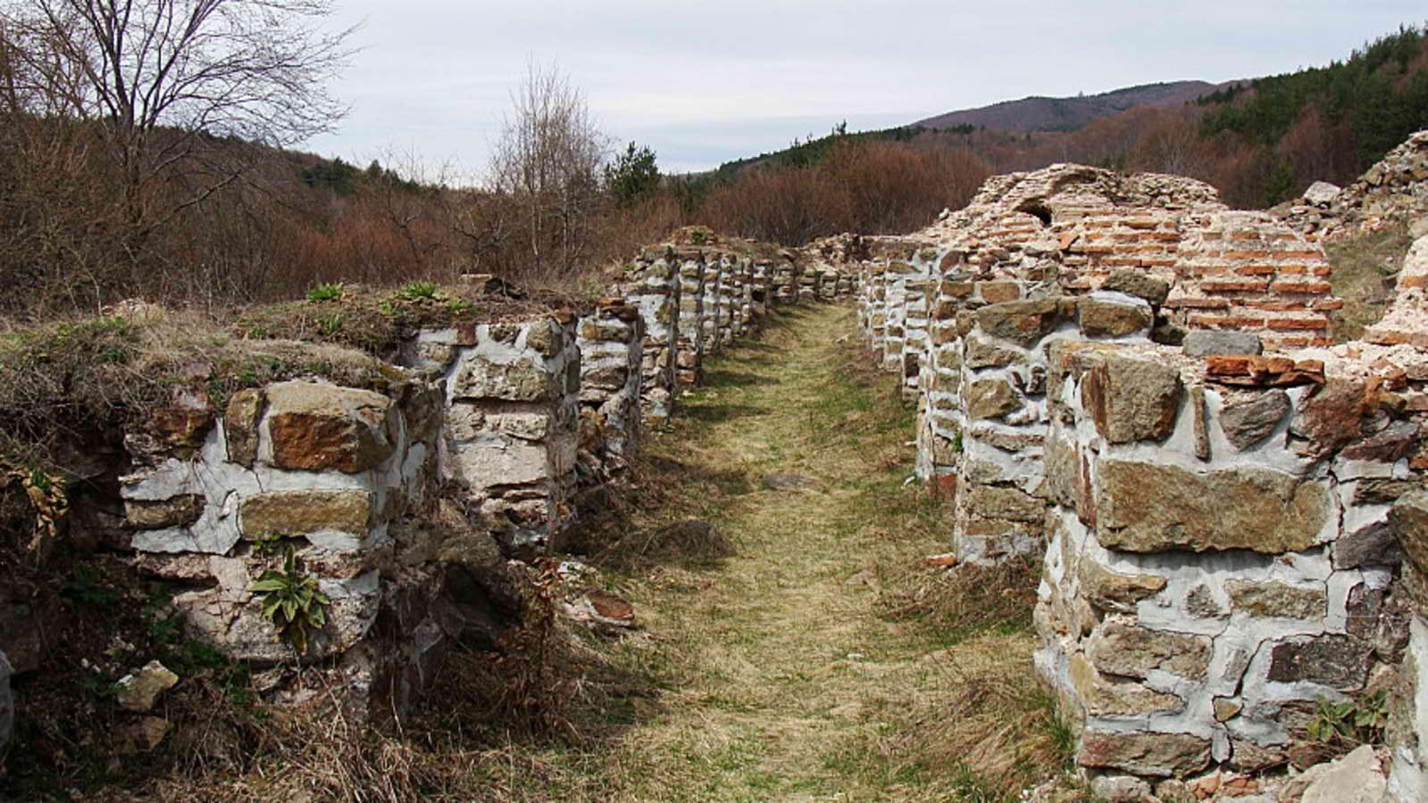 Духове обитават прокълната крепост на цар Самуил