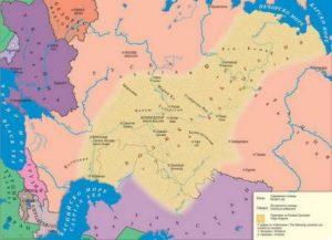 Територията на Волжска България в жълт цвят, от Каспийско до Печорско море.
