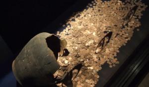 Златно съкровище откриха археолози във Морската ни столица