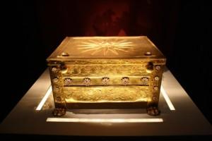 В златното ковчеже са открити костите на Филип II