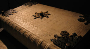 Тайните на Дяволската библия
